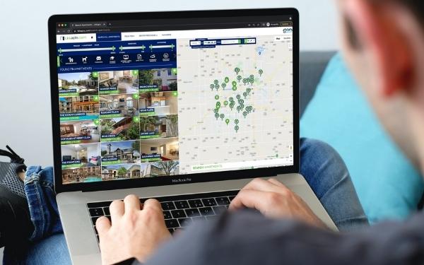 User on LBKapts.com on a laptop